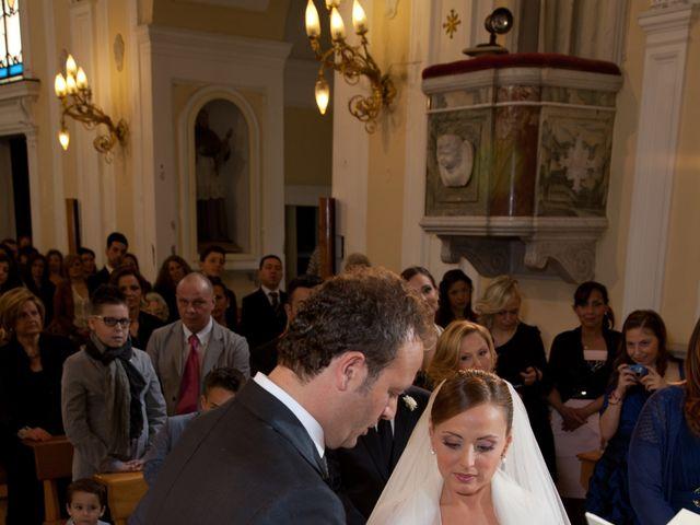Il matrimonio di Salvatore e Rosaria a Torre del Greco, Napoli 30