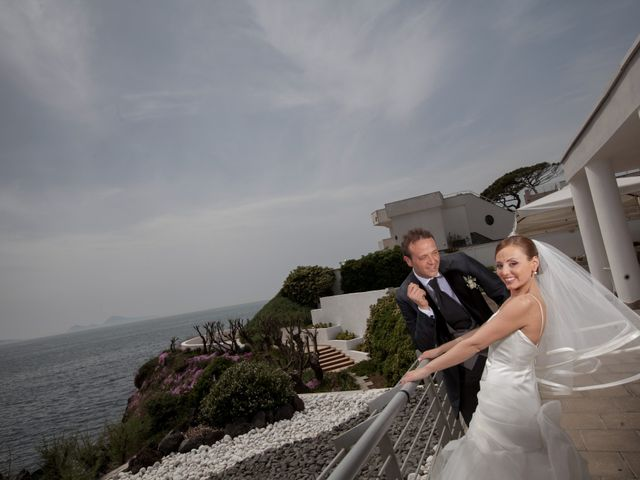Il matrimonio di Salvatore e Rosaria a Torre del Greco, Napoli 40