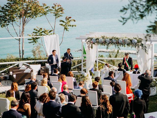Il matrimonio di Matteo e Irisz a Mattinata, Foggia 30