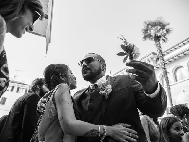 Il matrimonio di Gas e Sofie a Sirmione, Brescia 28