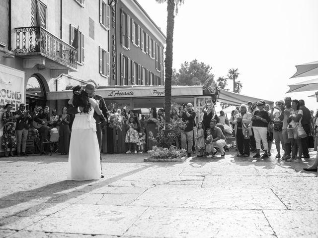 Il matrimonio di Gas e Sofie a Sirmione, Brescia 37