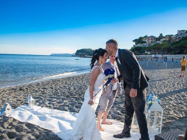 Il matrimonio di Giovanni e Ines a Celle Ligure, Savona 25
