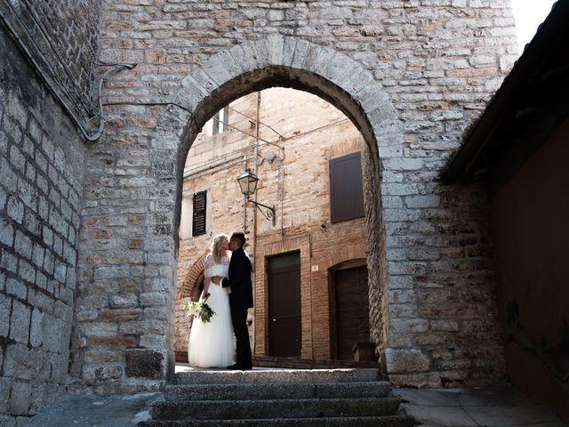 Il matrimonio di Massimiliano e Serena a Cerreto d'Esi, Ancona 41