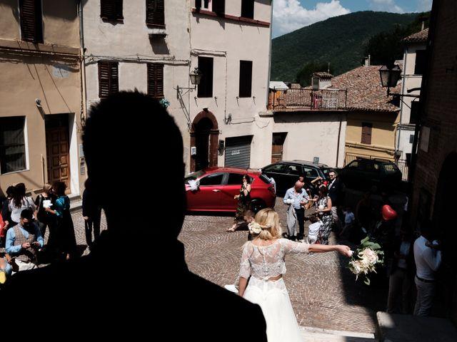 Il matrimonio di Massimiliano e Serena a Cerreto d'Esi, Ancona 43