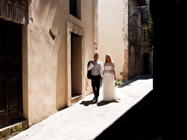 Il matrimonio di Massimiliano e Serena a Cerreto d'Esi, Ancona 45