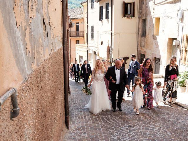 Il matrimonio di Massimiliano e Serena a Cerreto d'Esi, Ancona 32