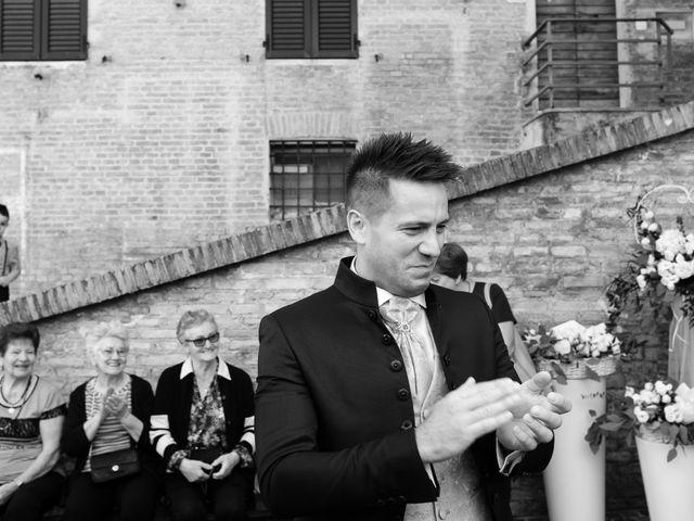 Il matrimonio di Massimiliano e Serena a Cerreto d'Esi, Ancona 33