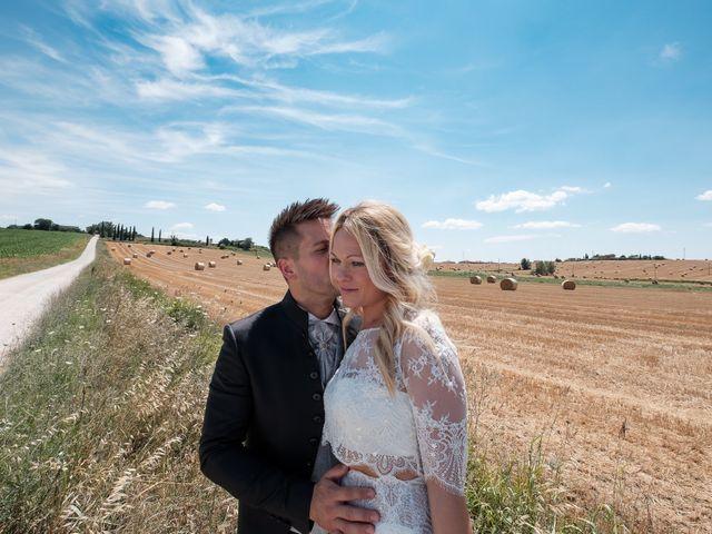Il matrimonio di Massimiliano e Serena a Cerreto d'Esi, Ancona 49