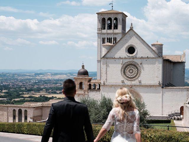 Il matrimonio di Massimiliano e Serena a Cerreto d'Esi, Ancona 1