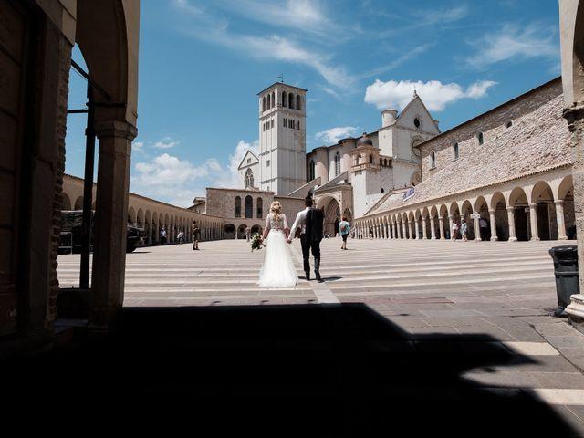 Il matrimonio di Massimiliano e Serena a Cerreto d'Esi, Ancona 56