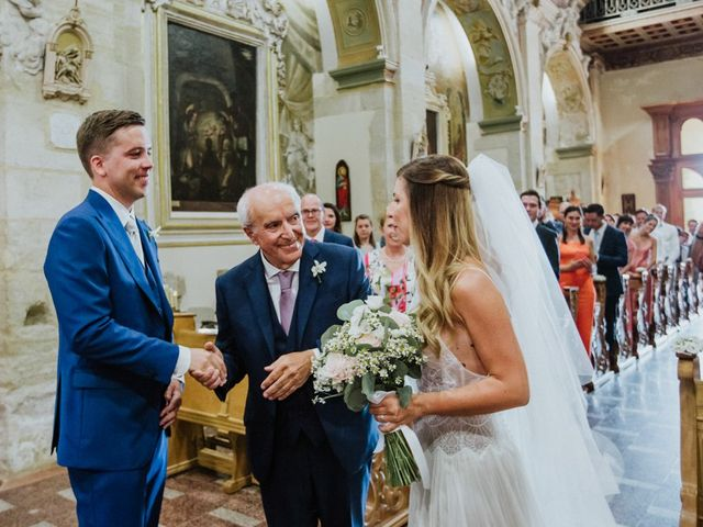 Il matrimonio di Jonas e Valentina a Sciacca, Agrigento 30