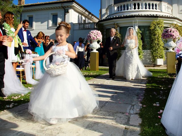 Il matrimonio di Devid e Chiara a Bassano Romano, Viterbo 8