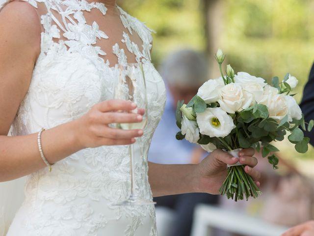 Il matrimonio di Yuri e Laura a Bereguardo, Pavia 25