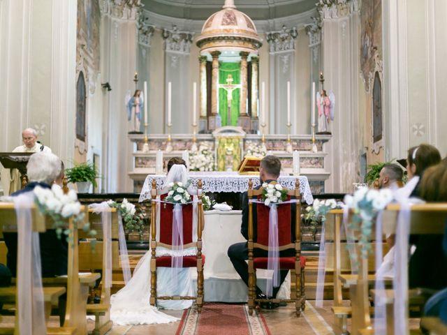Il matrimonio di Yuri e Laura a Bereguardo, Pavia 18