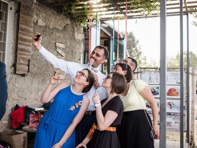 Il matrimonio di Nina e Dalle a Peschiera del Garda, Verona 21
