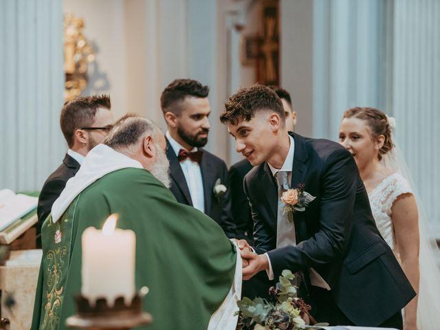 Il matrimonio di Guido e Giulia a Castel San Pietro Terme, Bologna 16
