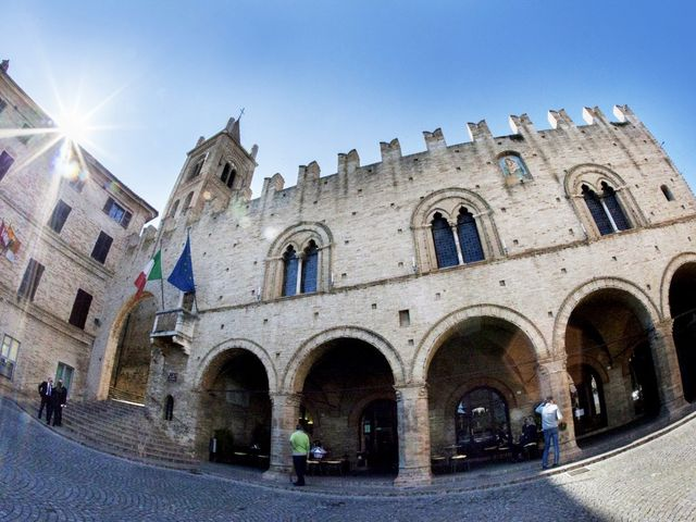 Il matrimonio di Francesco e Anna a Montecassiano, Macerata 35