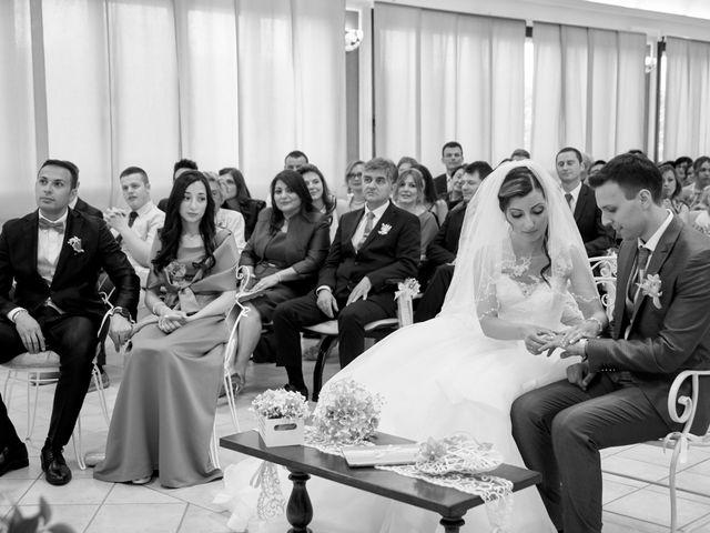 Il matrimonio di Marcello e Emma a Comacchio, Ferrara 30