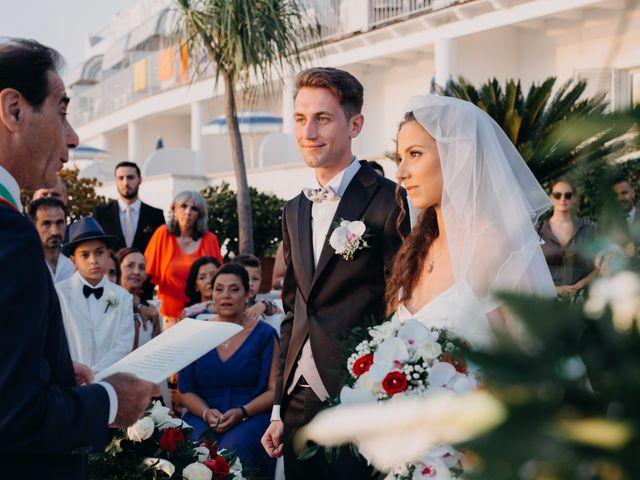 Il matrimonio di Luigi e Teresa a Ischia, Napoli 34
