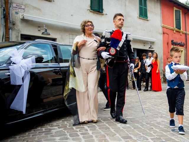 Il matrimonio di Fabrizio e Arianna a Fano, Pesaro - Urbino 30