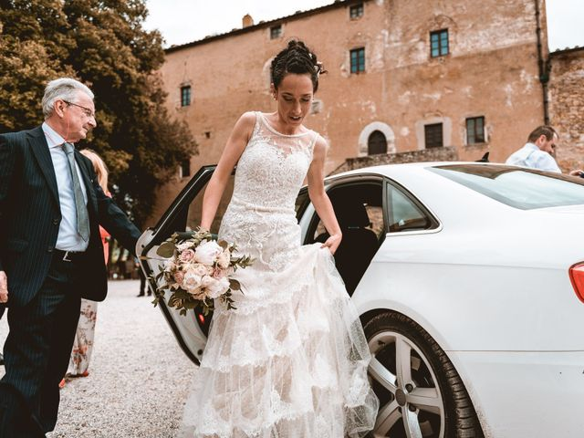 Il matrimonio di Gabriele e Elena a Campiglia Marittima, Livorno 22