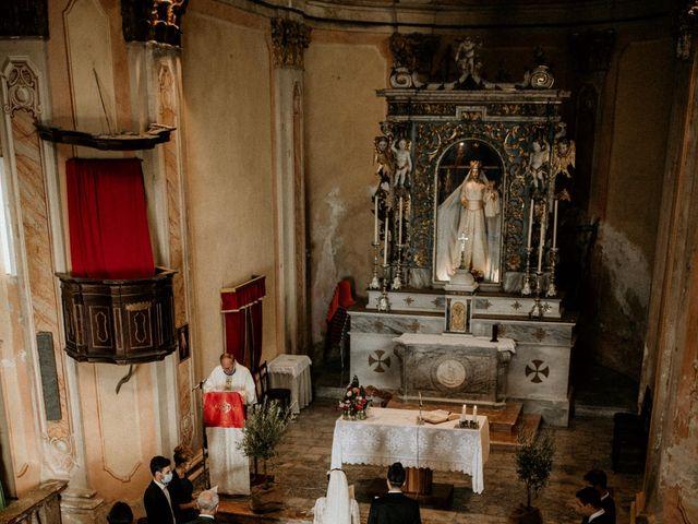 Il matrimonio di Fabrizio e Valeria a Maccagno, Varese 35