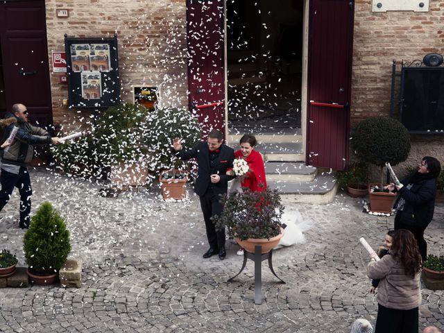 Il matrimonio di Daniele e Eleonora a Montecosaro, Macerata 5