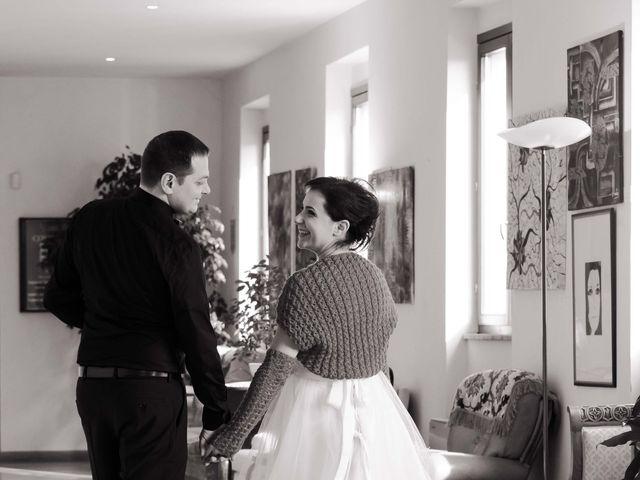 Il matrimonio di Daniele e Eleonora a Montecosaro, Macerata 9