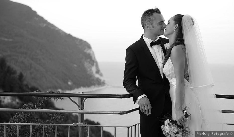 Il matrimonio di Riccardo e Mandy a Porto Recanati, Macerata