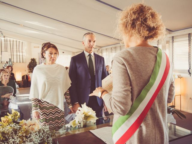 Il matrimonio di Marco e Sara a Viareggio, Lucca 21
