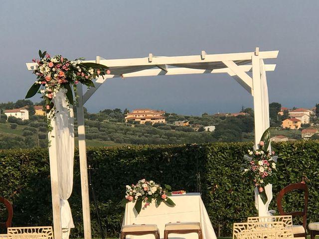 Il matrimonio di Mirco e Laura a Mosciano Sant'Angelo, Teramo 5