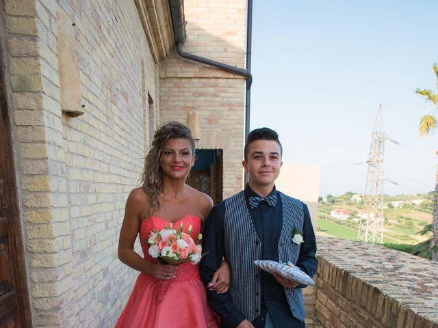 Il matrimonio di Mirco e Laura a Mosciano Sant'Angelo, Teramo 17
