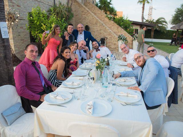 Il matrimonio di Mirco e Laura a Mosciano Sant'Angelo, Teramo 14