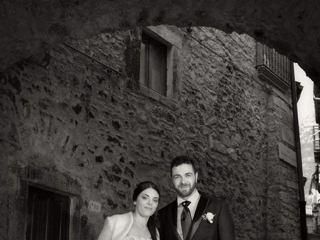 Il matrimonio di Domenico e Teresa a Villetta Barrea, L'Aquila 27