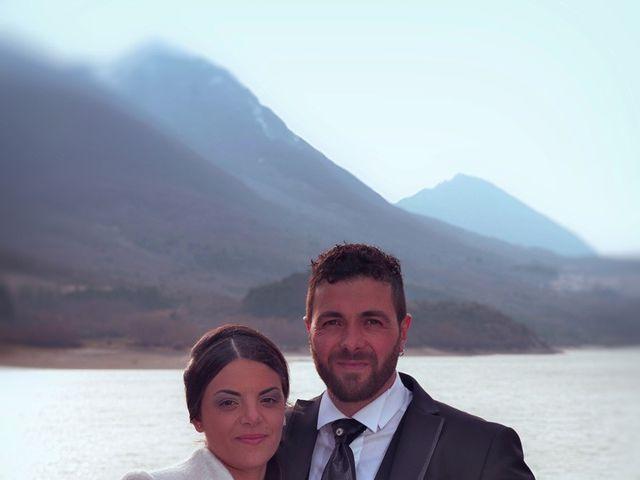 Il matrimonio di Domenico e Teresa a Villetta Barrea, L'Aquila 29