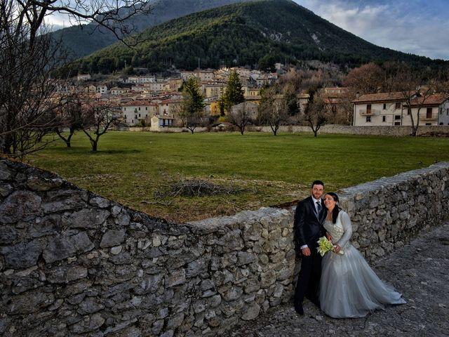 Il matrimonio di Domenico e Teresa a Villetta Barrea, L'Aquila 35