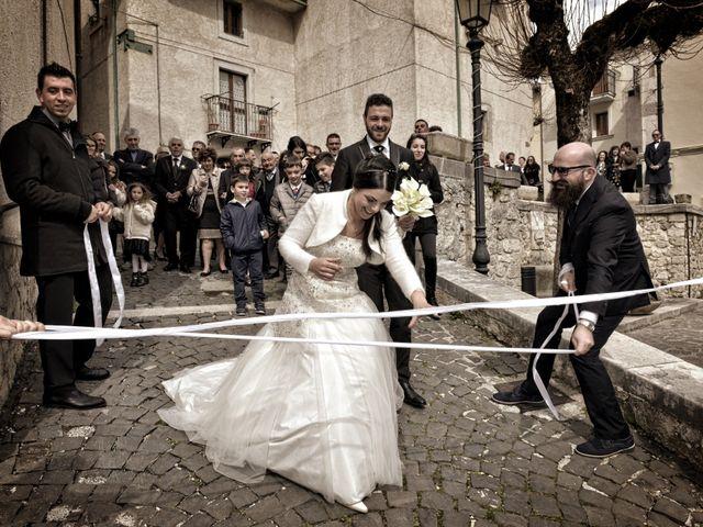 Il matrimonio di Domenico e Teresa a Villetta Barrea, L'Aquila 26