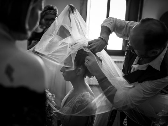 Il matrimonio di Enrico e Valentina a Montespertoli, Firenze 17