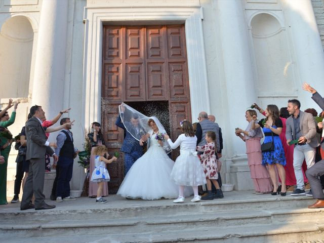 Il matrimonio di Gianbattista e Adriana a Lonato del Garda, Brescia 22