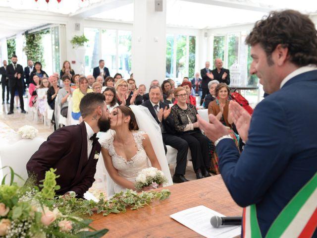 Il matrimonio di Michelangelo e Cinzia a Mola di Bari, Bari 25