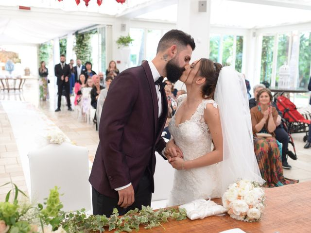 Il matrimonio di Michelangelo e Cinzia a Mola di Bari, Bari 30