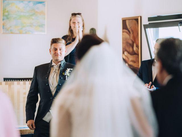 Il matrimonio di Andrea e Arianna a Cuveglio, Varese 14