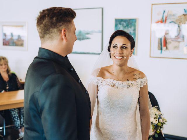 Il matrimonio di Andrea e Arianna a Cuveglio, Varese 16