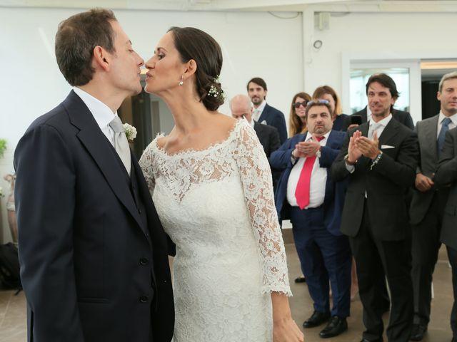 Il matrimonio di Alessio e Claudia a Napoli, Napoli 21