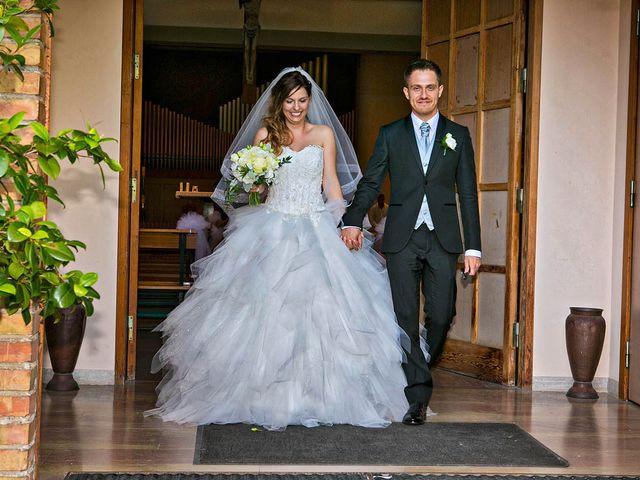 Il matrimonio di Marco e Ramona a Porto Sant'Elpidio, Fermo 40