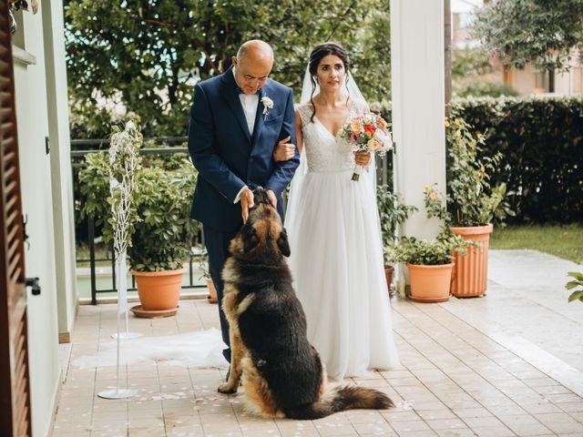 Il matrimonio di Lorenzo e Marianna a Città Sant'Angelo, Pescara 9
