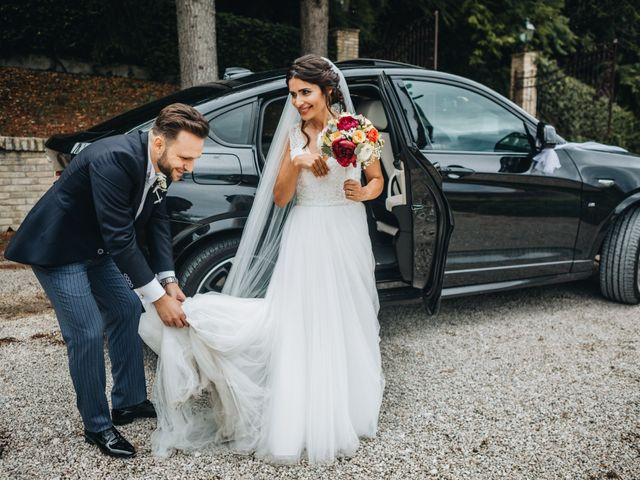 Il matrimonio di Lorenzo e Marianna a Città Sant'Angelo, Pescara 11