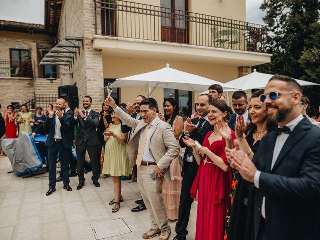 Il matrimonio di Lorenzo e Marianna a Città Sant'Angelo, Pescara 23