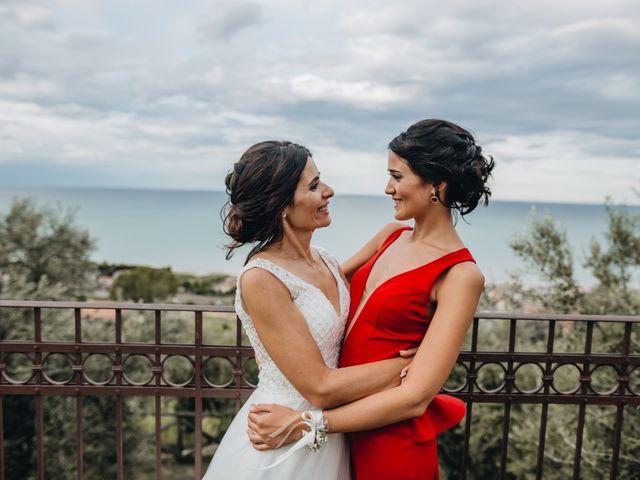 Il matrimonio di Lorenzo e Marianna a Città Sant'Angelo, Pescara 37