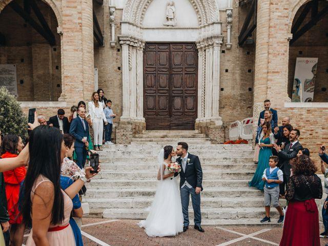 Il matrimonio di Lorenzo e Marianna a Città Sant'Angelo, Pescara 75